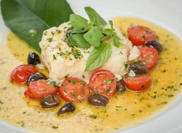 Сибас с рыбным бульоном