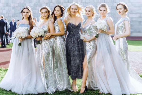 Подружки невесты в нарядах от бренда Beloe Zoloto Yulia Prokhorova