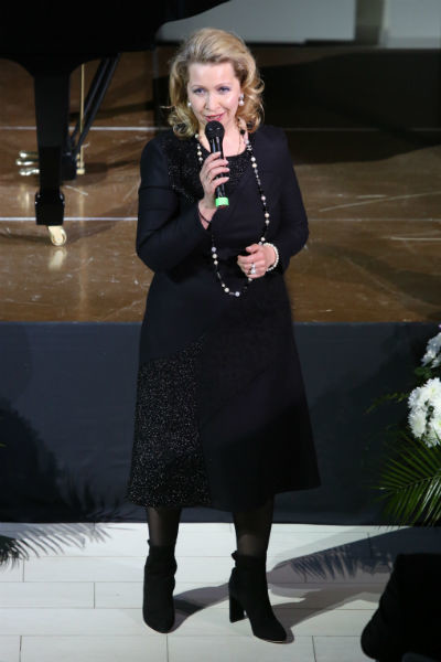 Супруга премьер-министра страны поблагодарила публику за интерес к фестивалю