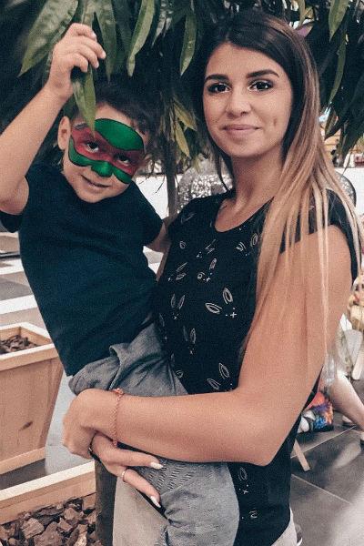 Алиана неоднократно признавалась, что очень скучает по сыну