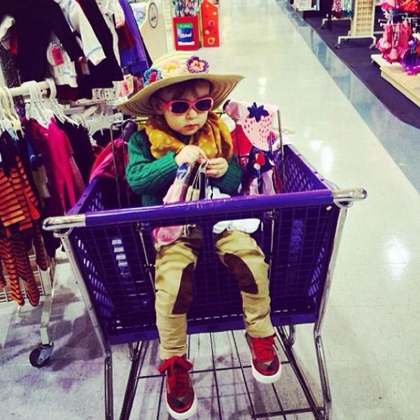 Алла-Виктория так же любит модные вещи, как и ее отец
