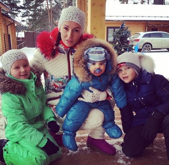 Катя подчеркивает, что не делает никакой разницы между детьми