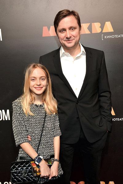 Артем Михалков с 14-летней дочерью Натальей. Девочка увлекается дизайном