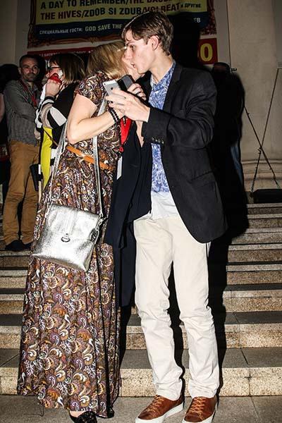 Марина Зудина поздравила сына с премьерой