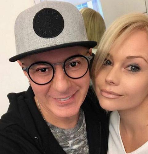 Елена Корикова с коллегой