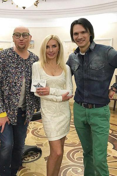 Слева направо: Шура, Татьяна Овсиенко, именинник Влад Сташевский
