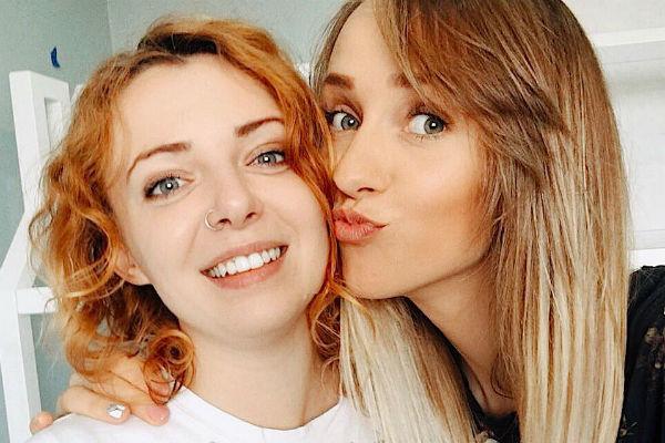 Лена Третьякова с экс-участницей «Ранеток» Евгенией Огурцовой
