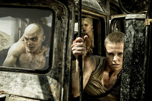 Кадр из фильма «Безумный Макс: Дорога ярости», претендующий на звание лучшего фильма