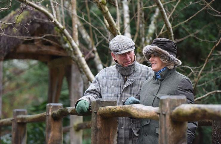 Принц Чарльз и Камилла в поместье в Шотландии