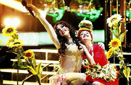 Дмитрий Бикбаев в образе Наташи Королевой