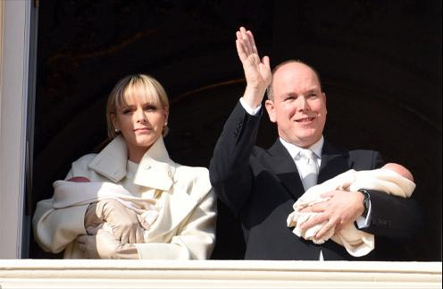 Княгиня Монако Шарлен и князь Альбер II и их дети Габриэла и Жак