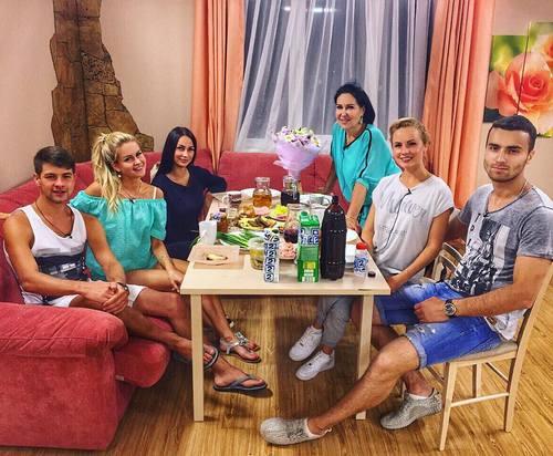 Марина Африкантова устроила вечеринку в VIP-доме