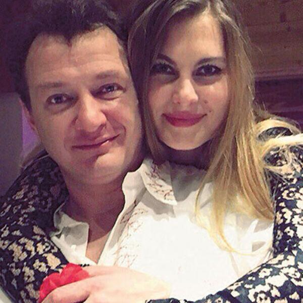 Артист счастлив в браке с Елизаветой