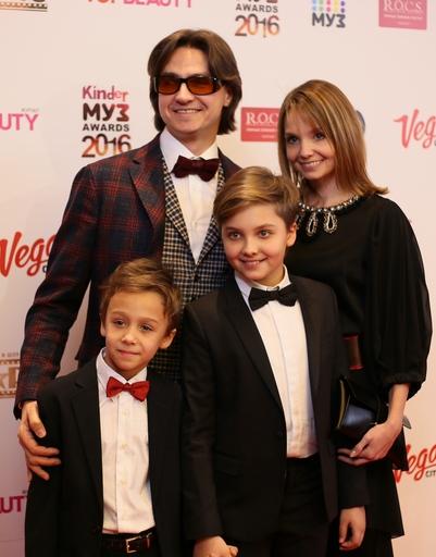 Сергей Филин с семьей