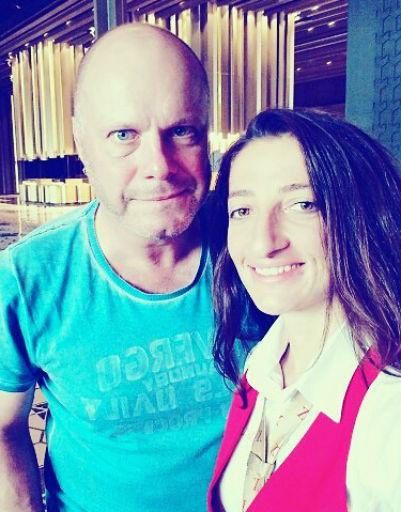 Алексей Кортнев с поклонницей