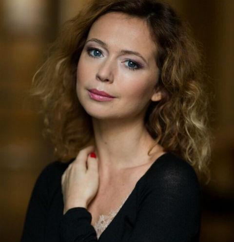 42-летняя Елена Захарова показала идеальную фигуру в бикини
