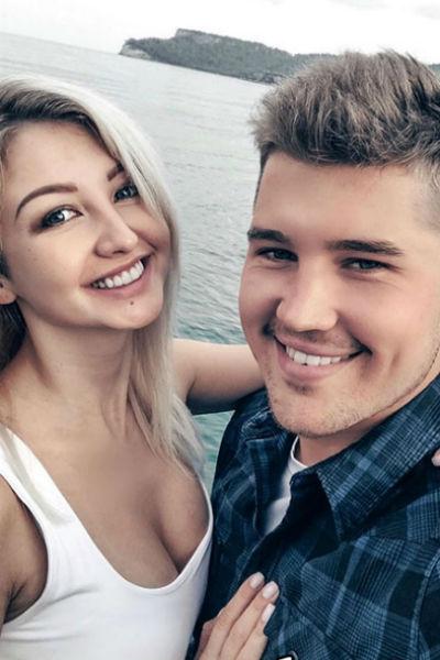 Еще на проекте девушку связывали близкие отношения с Романом Гриценко