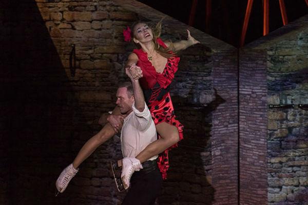 Татьяна Навка блистает на льду в шоу «Кармен»