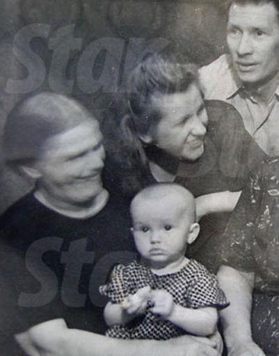 Алла встречает первый Новый год, 1950 год