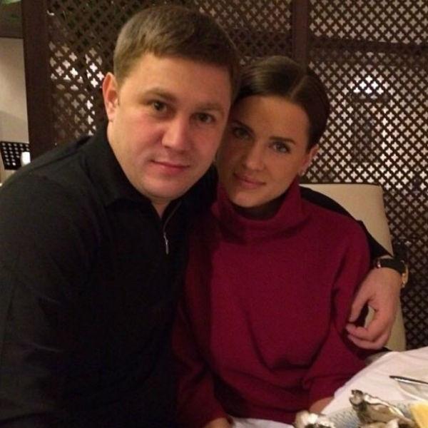 Юлию огорчает, что сейчас ее бывший муж не общается с детьми и не помогает им материально
