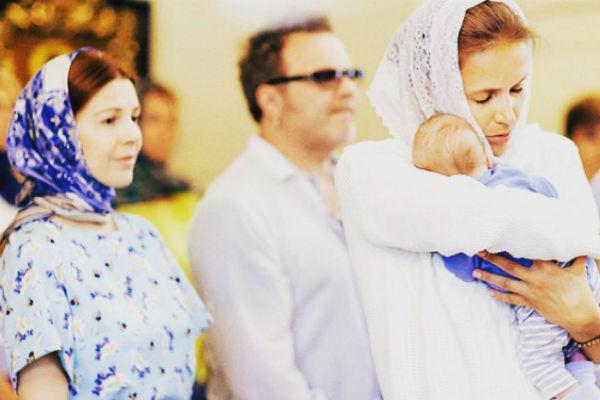 Маленького Артема крестили в минувшие выходные
