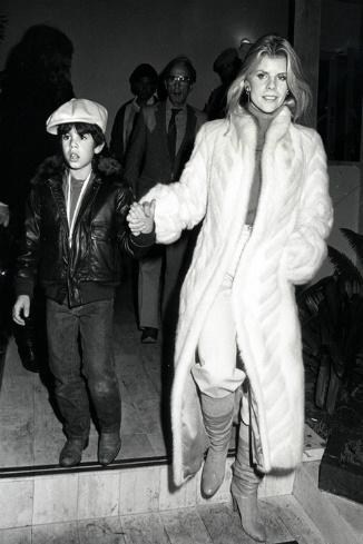 Сэйдж Сталлоне с матерью Сашей Зак