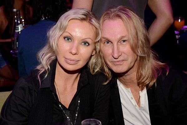 Александр Иванов с женой