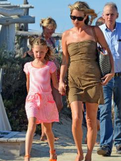 Кейт Мосс с дочкой Лилой Грэйс в Сен-Тропе