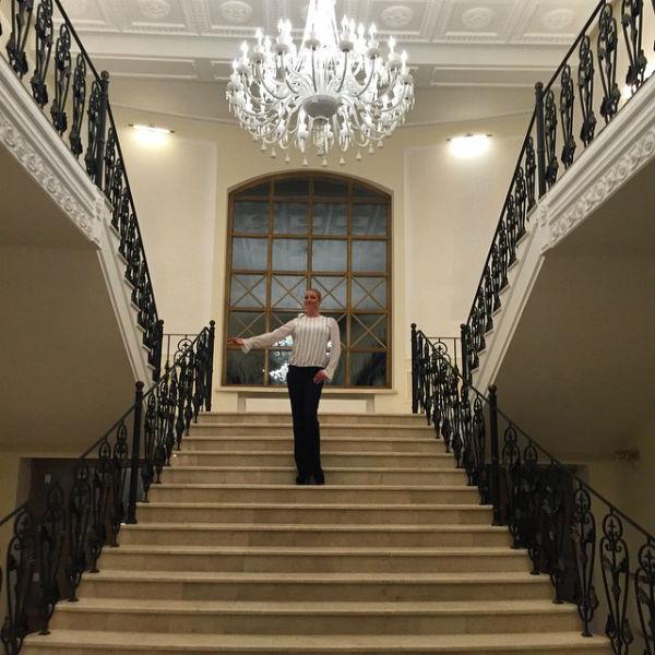 Анастасия с дочерью будут обитать в настоящем дворце