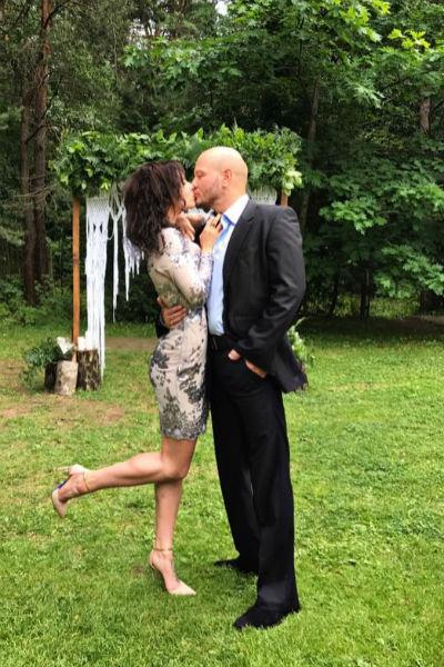 Супруга актера Ксения далека от творческой среды