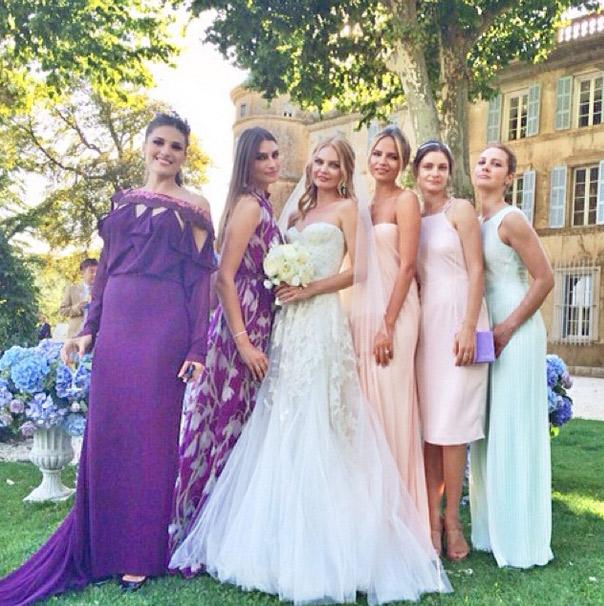 Елена Кулецкая с подружками невесты