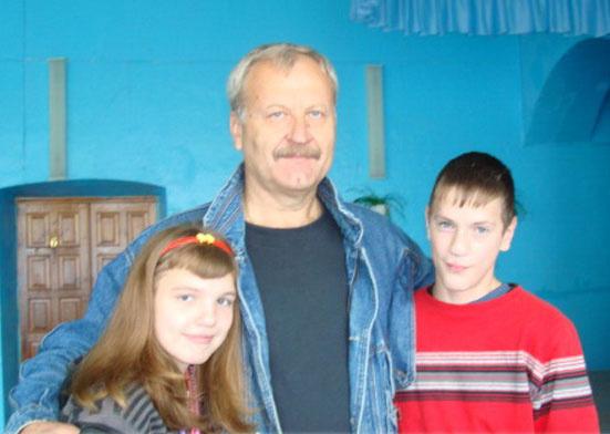 Владимир Воропаев помогает детям-сиротам уже 14 лет
