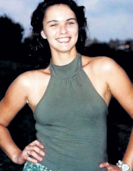 На момент смерти первой жене актера Елене было 42 года