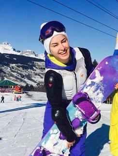 Тина Канделаки осваивает сноуборд