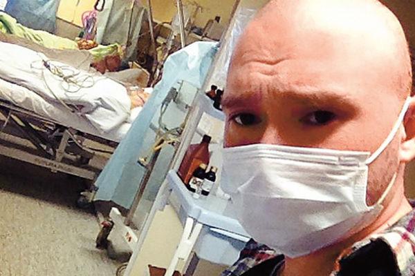 Свои больничные будни Ринат транслировал в Интернете