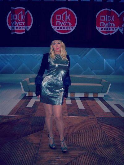 Елена Кондулайнен на съемках программы «Пусть говорят»