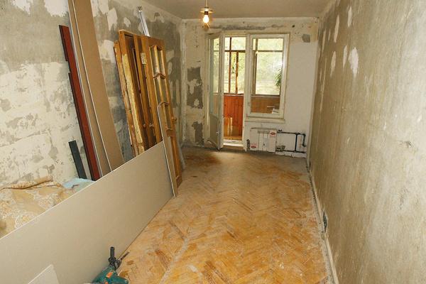Полащадь квартиры – более 50 кв. м, в ней три комнаты