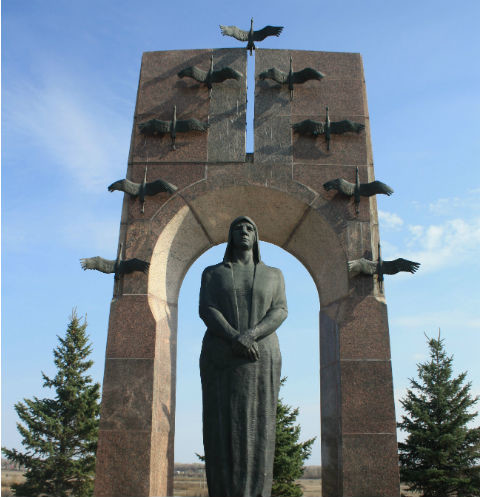 Памятник семье Володичкиных