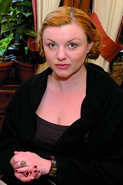 Жена Арташонова, Кристина, за день до его смерти выписалась из больницы после тяжелой операции