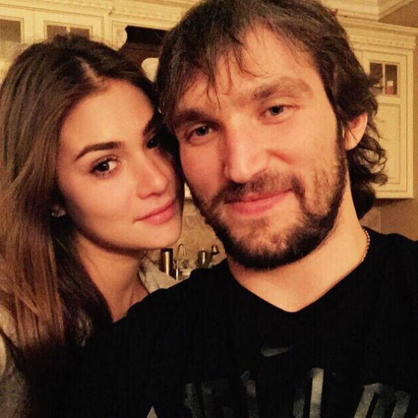 Об отношениях с дочерью Веры Глаголевой хоккеист сообщил в минувшие выходные