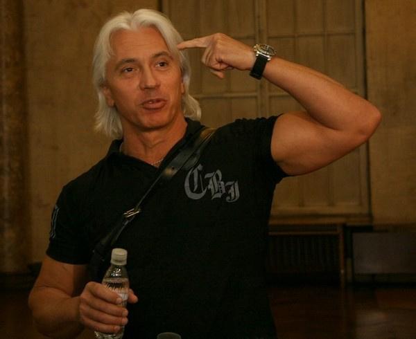 Дмитрий Хворостовский родился 16 октября 1962 года в Красноярске