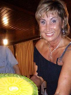 День свадьбы Лариса отмечала вдали от мужа