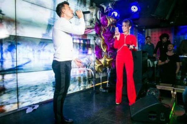 Юлия Барановская посещает некоторые выступления Туриченко