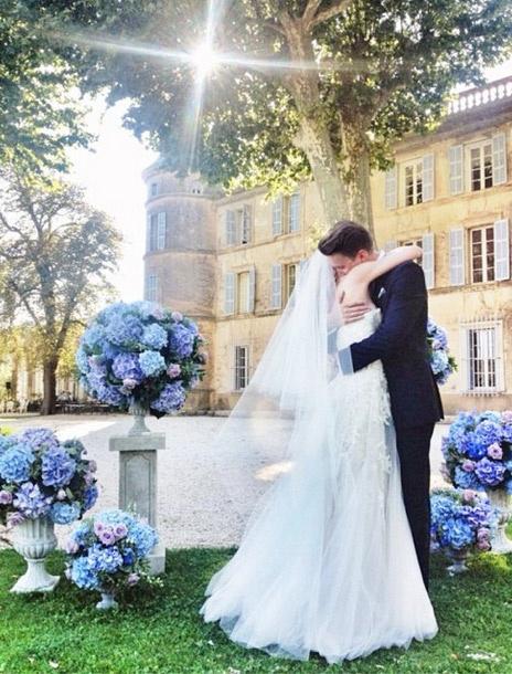 Свадьба была оформлена в классических тонах