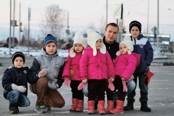 Еще недавно, оставшись без любимой, Антон самостоятельно воспитывал детей