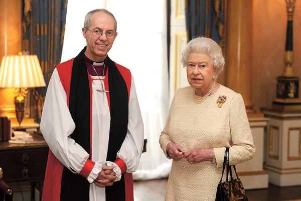 Королева Англии доверила проведение обряда архиепископу Джастину Уэлби
