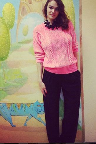 Алена сфотографировалась в детском саду