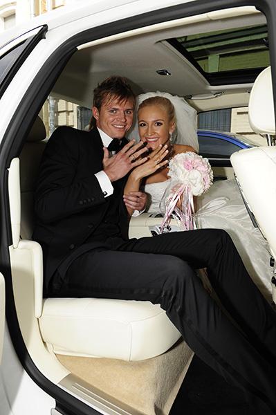 """«Выйдя из ЗАГСа, мы тут же в своих телефонах переименовали друг друга с """"любимых"""" на """"муж"""" и """"жена""""», - призналась Ольга"""
