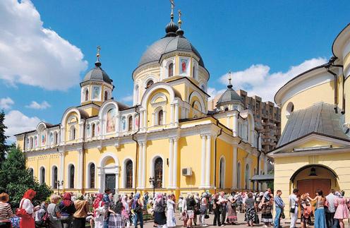 Мощи Матроны хранятся в Покровском женском монастыре в Москве