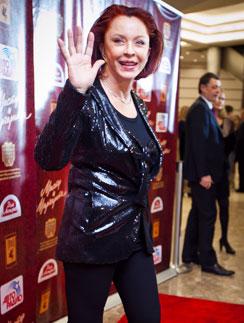 Анастасия Вертинская  в суды не ходит и комментариев не дает